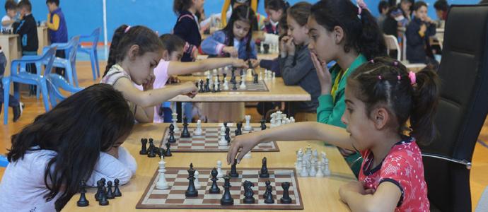 200 Sporcuyla 23 Nisan Satranç Turnuvası