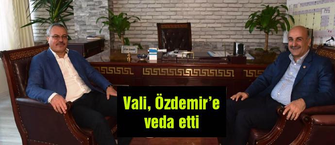 Vali, Özdemir'e veda etti