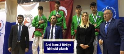 Özel İdare 3 Türkiye birincisi çıkardı