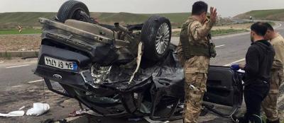 Virajı alamayan araç takla attı: 2 ölü